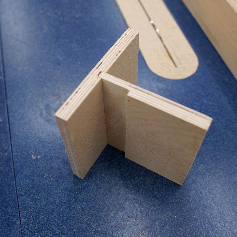 Making An Edge Banding Trimmer Attachment - IBUILDIT CA