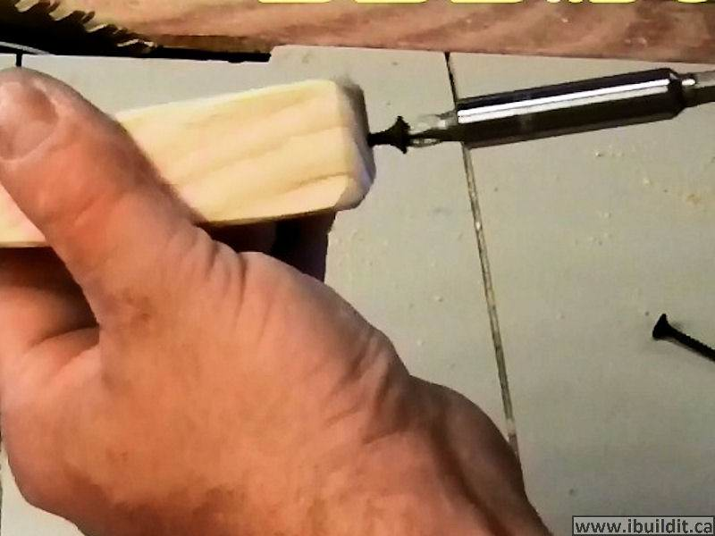 screw in handle wooden c-clamp