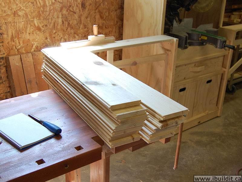 how to make a folding saw horse ibuildit ca. Black Bedroom Furniture Sets. Home Design Ideas