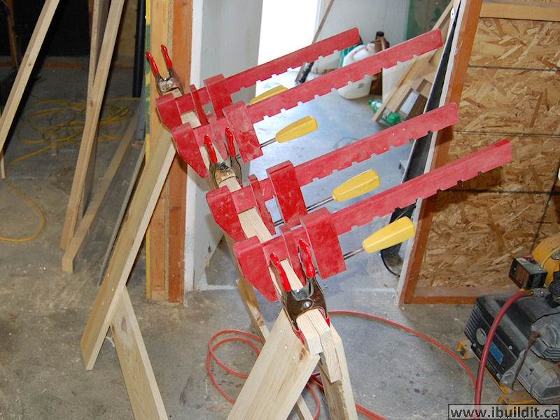 how to build a good folding saw horse