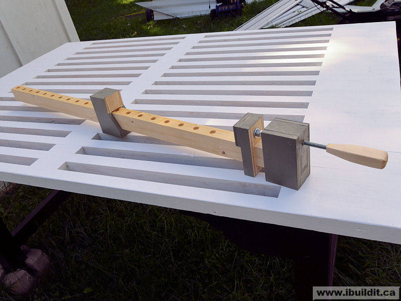 make a k-body clamp from wood free plan