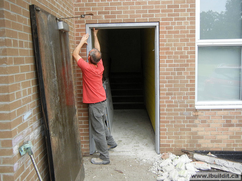 Installing a metal frame and door ibuildit ca - Installing prehung exterior door on concrete ...