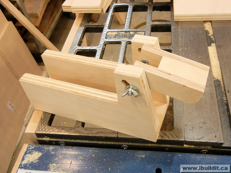 Remarkable How To Make A Flip Top Grinder Stand Ibuildit Ca Spiritservingveterans Wood Chair Design Ideas Spiritservingveteransorg