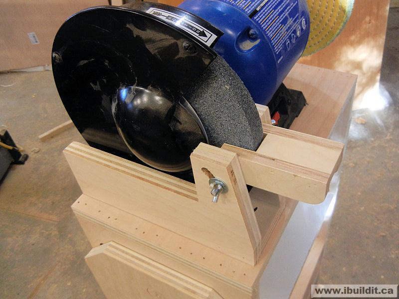 Fabulous How To Make A Flip Top Grinder Stand Ibuildit Ca Spiritservingveterans Wood Chair Design Ideas Spiritservingveteransorg