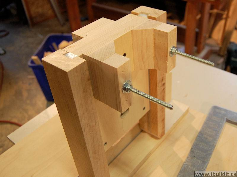 How to make a router table ibuildit how to make a router lift greentooth Choice Image