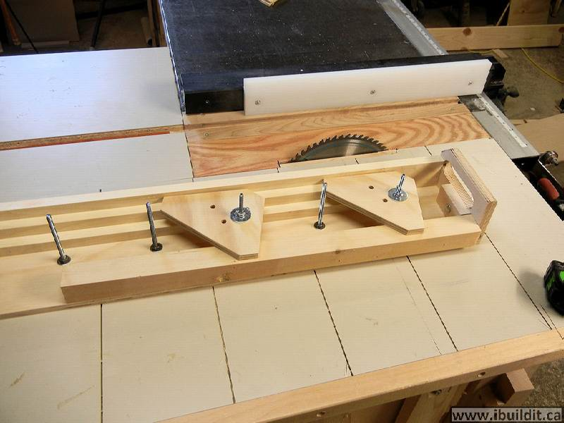 How To Make A Taper Jig For The Table Saw - IBUILDIT CA