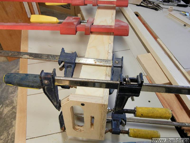 How To Make A Taper Jig For The Table Saw - IBUILDIT.CA