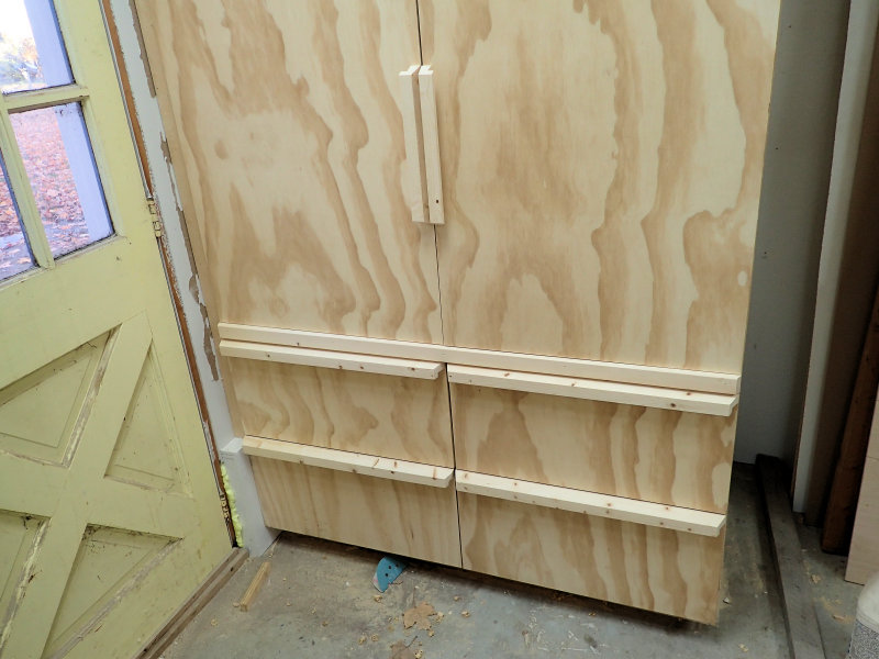 Making A Deep Shop Cabinet With Drawers