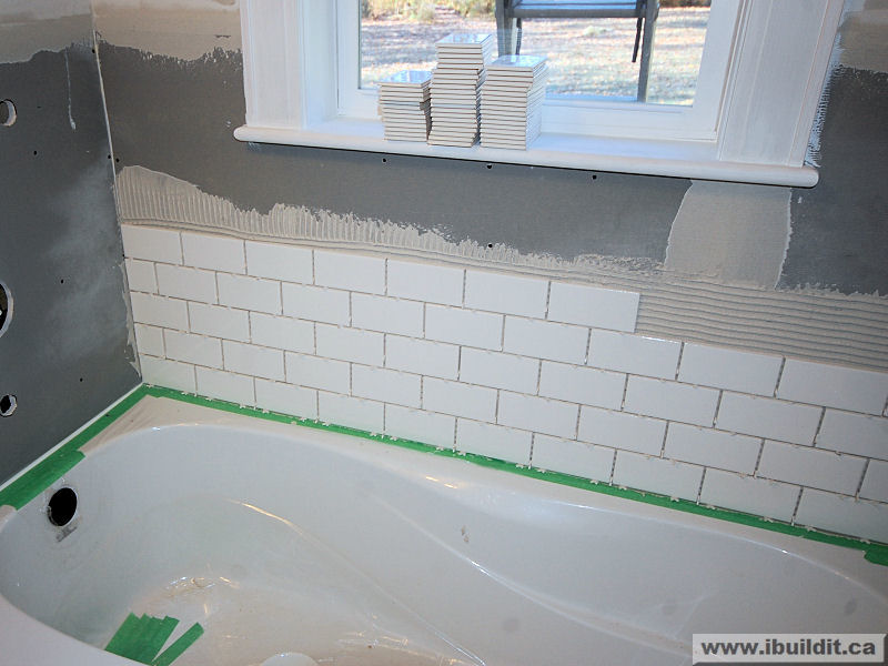 Installing The Ceramic Tile Tub Surround - My Old House - IBUILDIT.CA