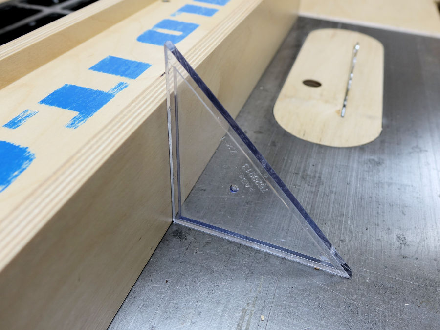 How to make a table saw fence ibuildit how to make a wooden table saw fence greentooth Images