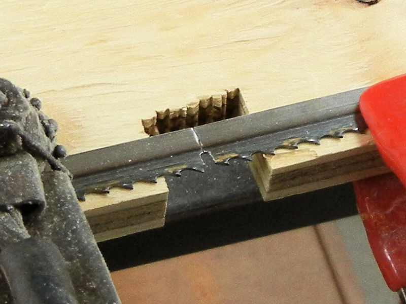 How to repair a broken band saw blade ibuildit the block and paper greentooth