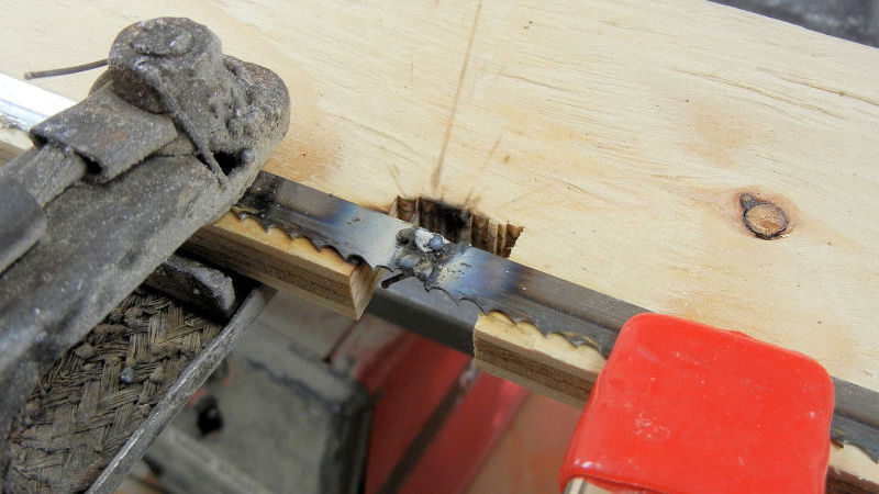 How To Repair A Broken Band Saw Blade - IBUILDIT.CA