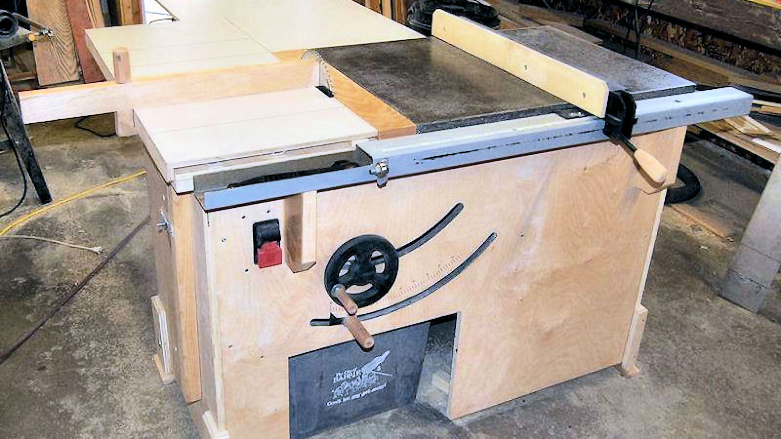 How To Make A Table Saw - IBUILDIT.CA